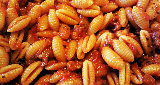 Sardinian recipes - Malloreddus with sausage sauce